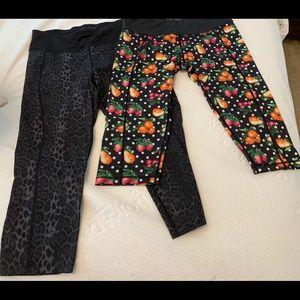 S/2 Betsey Johnson leggings